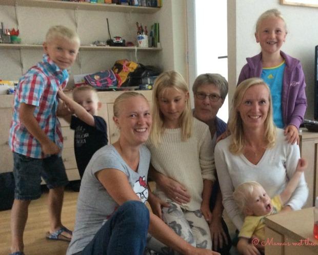 Omatag_oma met dochters en kleinkinderen